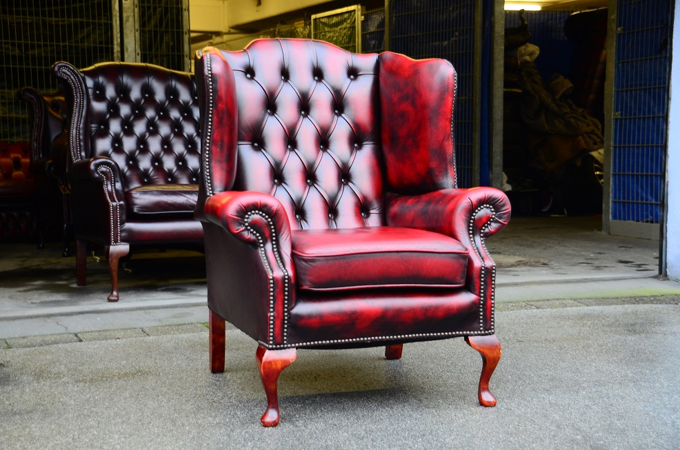 Chesterfield ohren sessel von springvale in blut rot for Sessel ohren